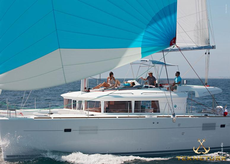 LAGOON 450 lux with AC 2015